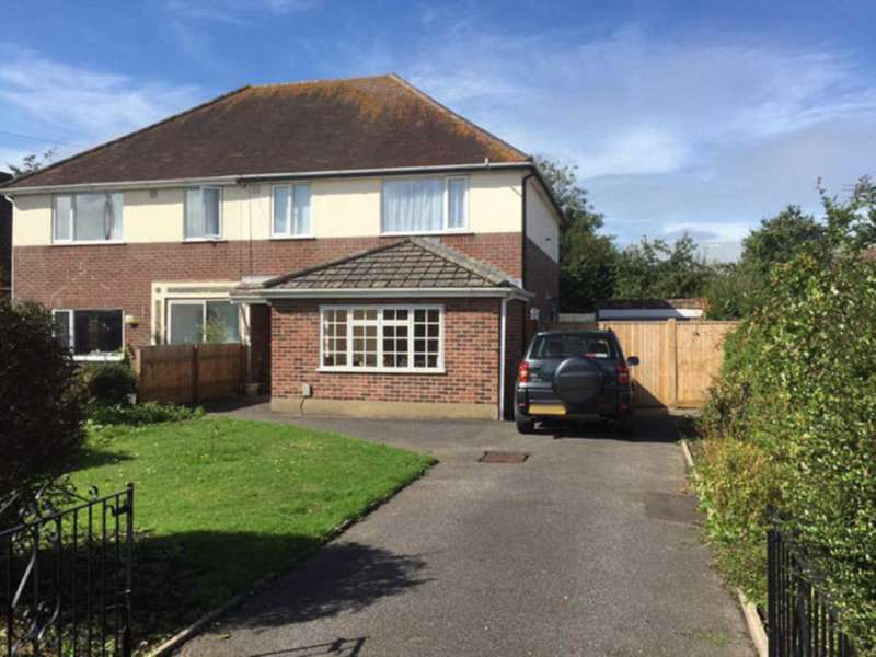 1 Bedroom House Share for rent in BH10 Weymans Avenue, Bournemouth