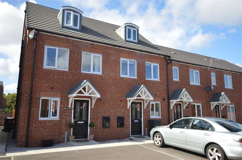 3 Bedrooms Semi Detached House for sale in Magazine Road, Bromborough