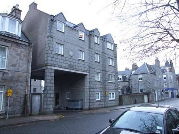 2 Bedrooms Flat for sale in Whitehall Place, Aberdeen