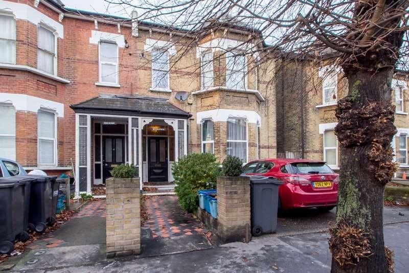 2 Bedrooms Flat for sale in Oakfield Road, Croydon, London, CR0
