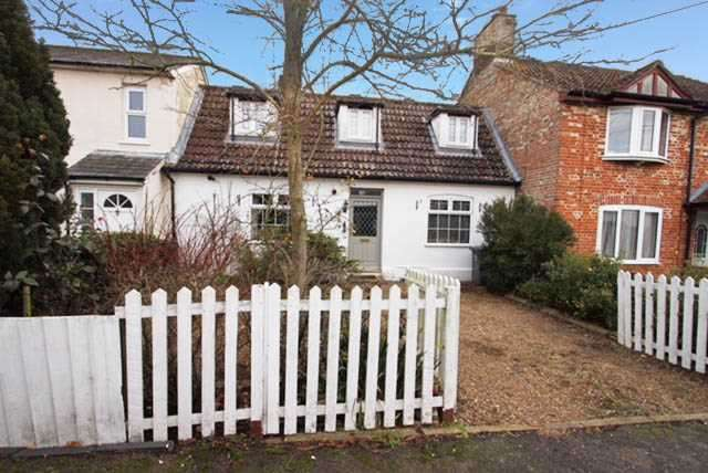 3 Bedrooms Cottage House for sale in The Street, Bredfield, Woodbridge, Suffolk, IP13 6AX