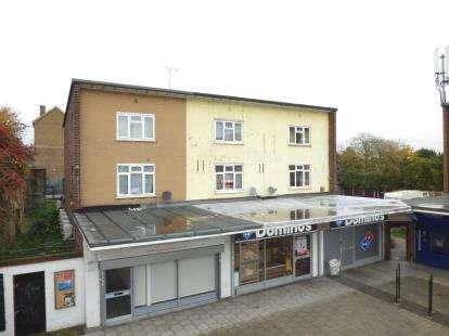 2 Bedrooms Maisonette Flat for sale in Hornchurch