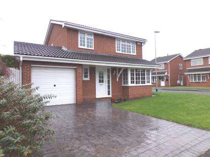 4 Bedrooms Detached House for sale in Scugdale Close, Yarm, Stockton On Tees