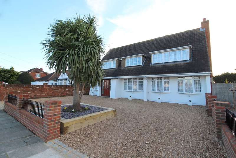 4 Bedrooms Detached House for sale in Junction Road, Ashford, Middlesex, TW15