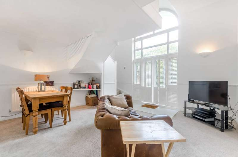1 Bedroom House for sale in Chesterton Close, Wandsworth, SW18