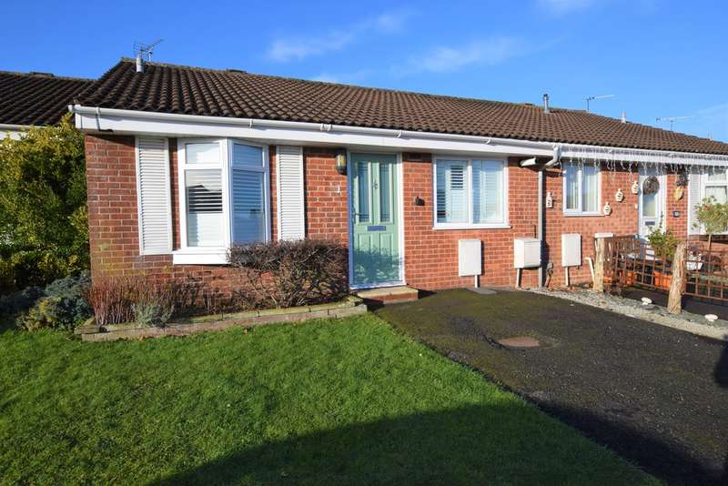 2 Bedrooms Terraced Bungalow for sale in The Cullerns, Highworth