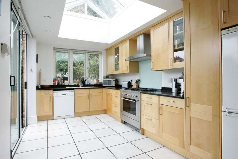 4 Bedrooms Detached House for rent in Palmerston Road, East Sheen, SW14
