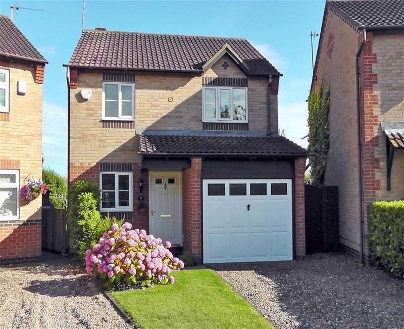 3 Bedrooms Detached House for sale in Augustus Drive, Brough