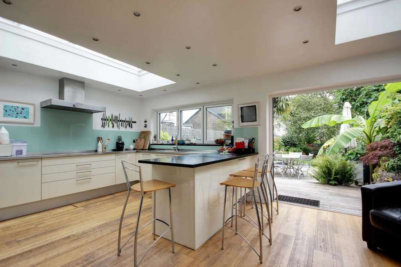 4 Bedrooms Terraced House for sale in Tetherdown, Muswell Hill, N10