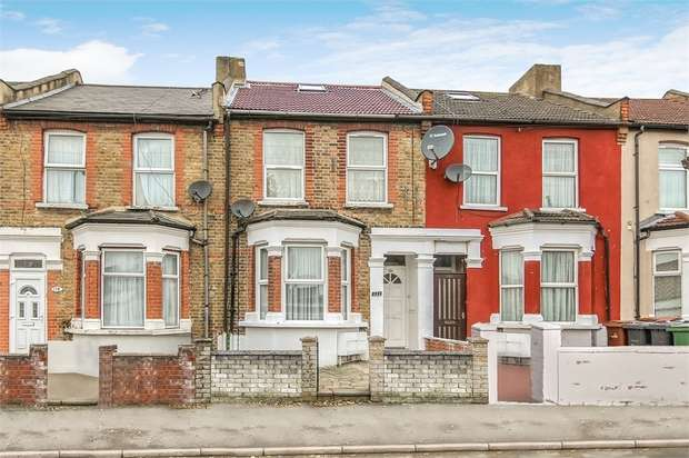 2 Bedrooms Flat for sale in Claude Road, Leyton, London