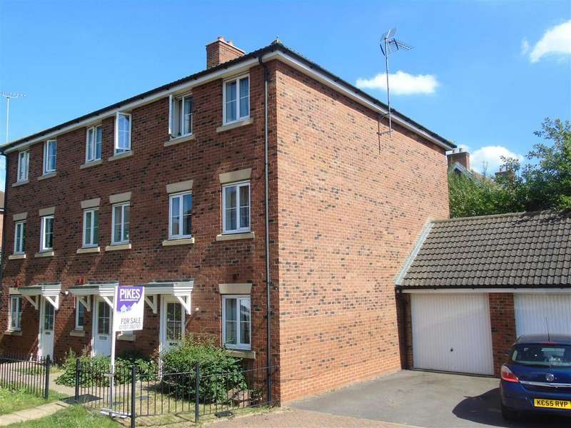 3 Bedrooms Town House for sale in The Runway, Hatfield