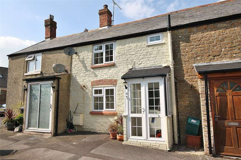 2 Bedrooms House for sale in Lang Road, Crewkerne, Somerset, TA18