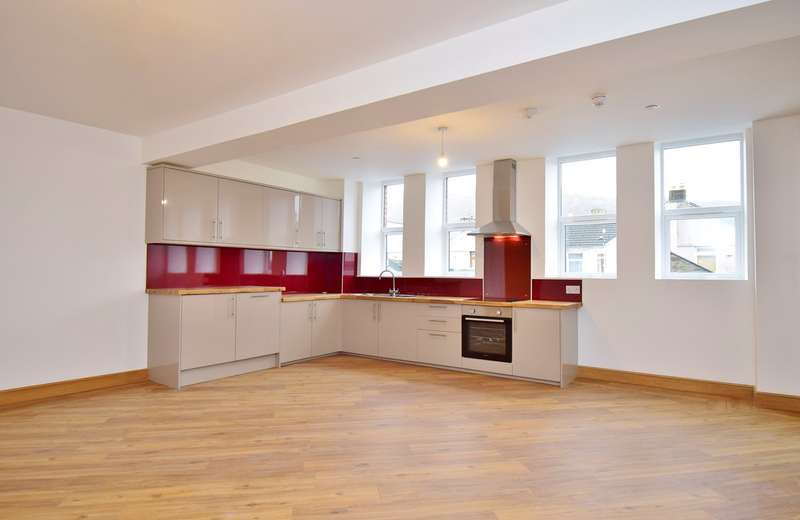 2 Bedrooms Apartment Flat for sale in Ffrwd Terrace, Llanbradach, Caerphilly, CF83