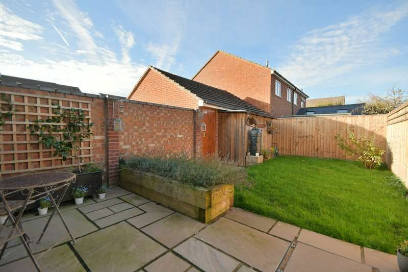 3 Bedrooms End Of Terrace House for sale in Van Diemans, Faringdon, Oxfordshire, SN7