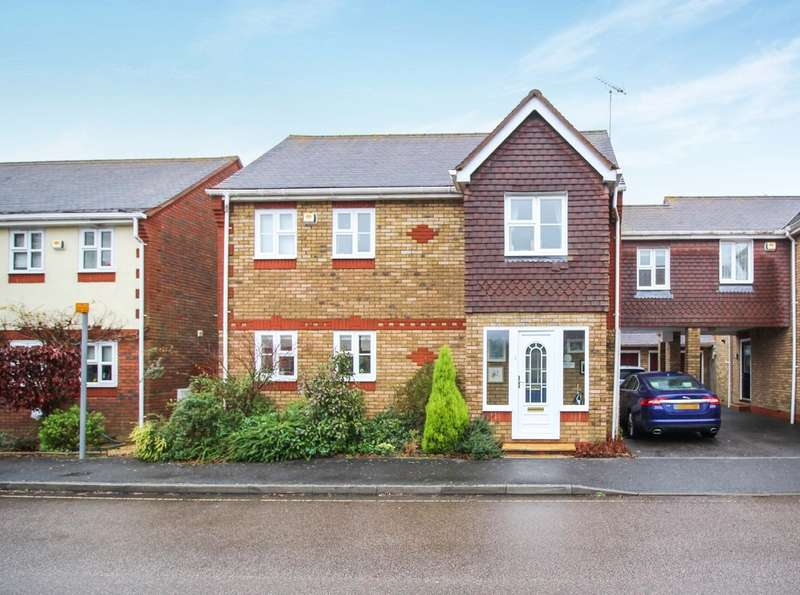 3 Bedrooms Semi Detached House for sale in Tanbridge Park, Horsham