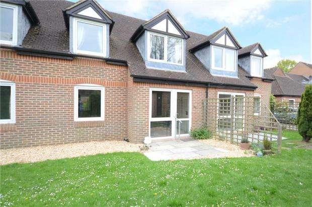 1 Bedroom Retirement Property for sale in McKernan Court, High Street, Sandhurst