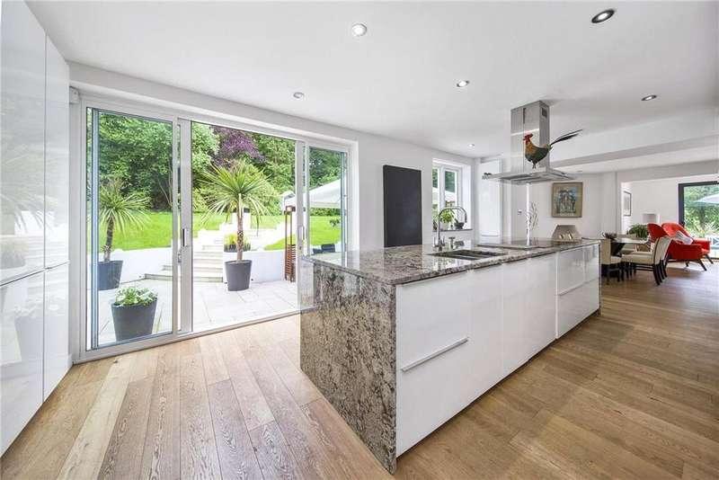 6 Bedrooms Detached House for sale in Oxshott Road, Pachesham Park, Leatherhead, Surrey, KT22
