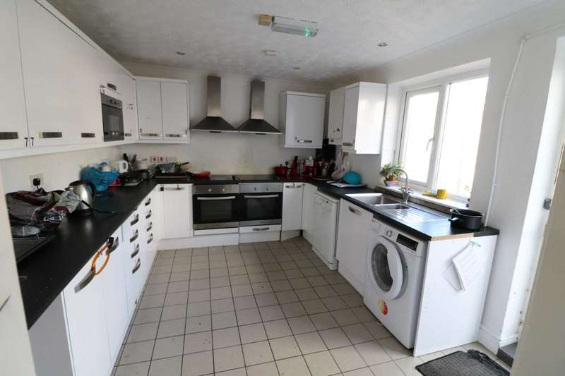 House Share for rent in Walpole Road, Bournemouth