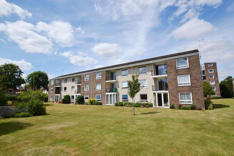 2 Bedrooms Flat for sale in Litchfield Court, Pevensy Gardens, Worthing, West Sussex, BN11 5PF