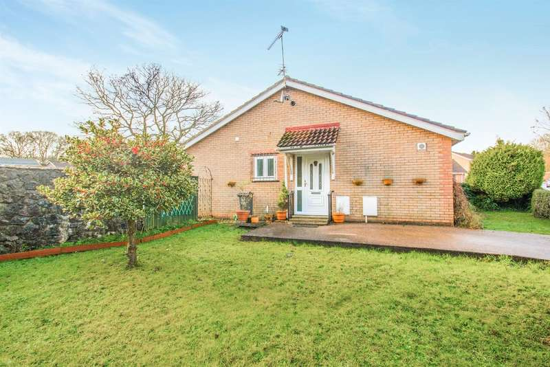 2 Bedrooms Semi Detached Bungalow for sale in Pinecrest Drive, Thornhill, Cardiff
