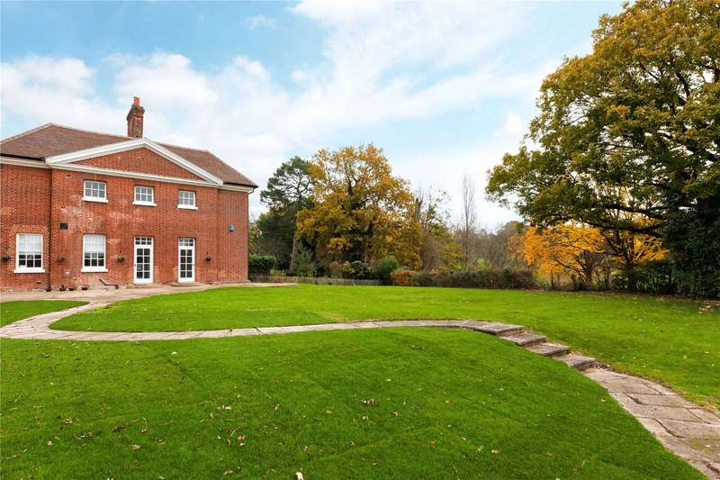 3 Bedrooms House for sale in Calcot Court, Calcot, Reading, Berkshire, RG31