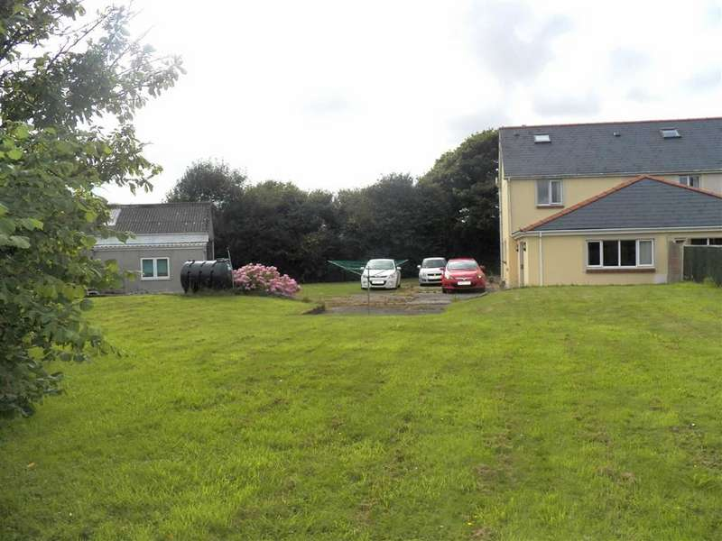 3 Bedrooms Semi Detached House for sale in New Road Service Station, Maddox Moor, Freystrop, Haverfordwest