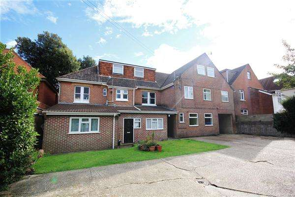 2 Bedrooms Apartment Flat for sale in Ashley Road, Poole