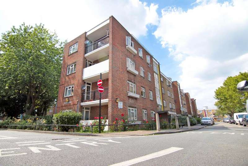 3 Bedrooms Flat for sale in Falcon Court - Elmworth Grove, Dulwich, London SE21