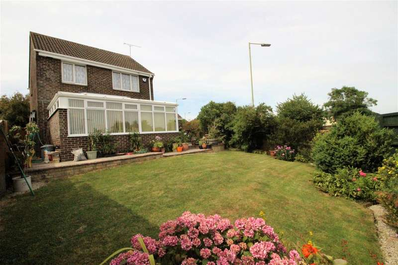3 Bedrooms Detached House for sale in Castlefield Close, Eastleaze, Swindon
