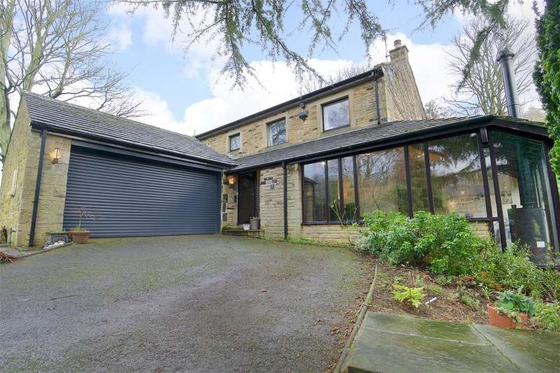 5 Bedrooms Detached House for sale in Hilltop, Hall Gardens