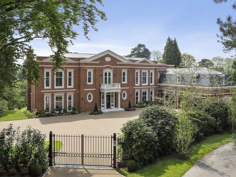 5 Bedrooms House for sale in St George's Hill, Weybridge, KT13 0LX