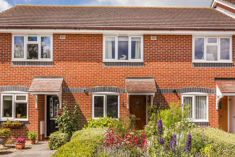 2 Bedrooms Terraced House for rent in Lingfield, Surrey, RH7 6BN