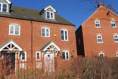 3 Bedrooms House for rent in Ashmead Road