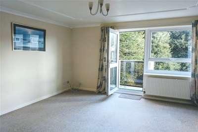 2 Bedrooms Maisonette Flat for rent in Salamanca Street, Torpoint