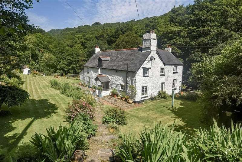 4 Bedrooms Detached House for sale in Rockford, Exmoor, Lynton, Devon, EX35