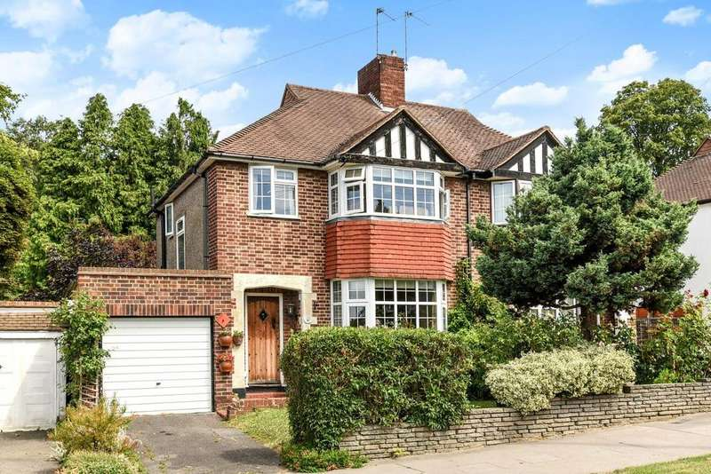 3 Bedrooms Semi Detached House for sale in Waddington Way, Crystal Palace