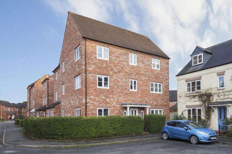 4 Bedrooms House for sale in Stratford-Upon-Avon, Warwickshire