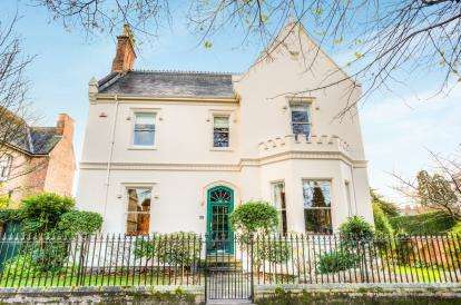 6 Bedrooms Detached House for sale in Binswood Avenue, Leamington Spa, Warwickshire, England
