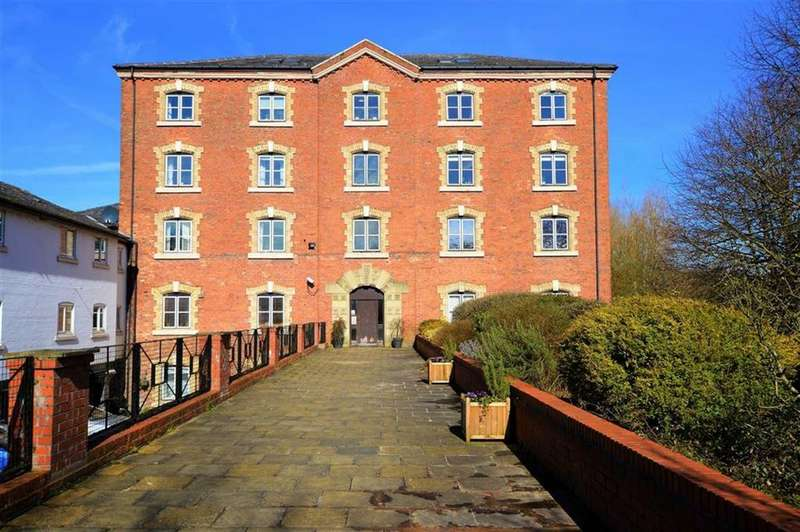 3 Bedrooms Apartment Flat for sale in Park Lane, Little Bollington, Cheshire, WA14