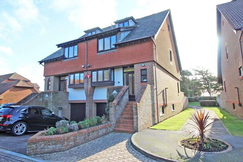 4 Bedrooms End Of Terrace House for sale in Kensington Park, Milford On Sea, Lymington