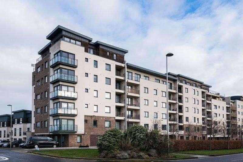 2 Bedrooms Property for sale in 41/10 Waterfront Avenue, Granton, Edinburgh, EH5 1JD