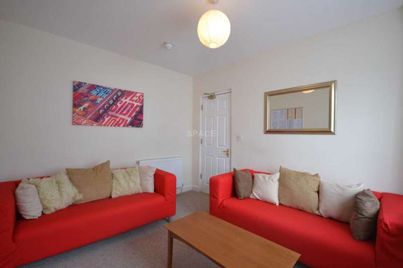 6 Bedrooms End Of Terrace House for rent in St Edwards Road, Earley, Reading, Berkshire, RG6 1NL
