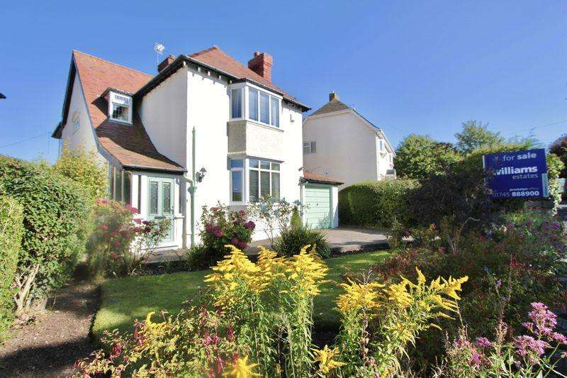 4 Bedrooms Detached House for sale in West Avenue, Prestatyn