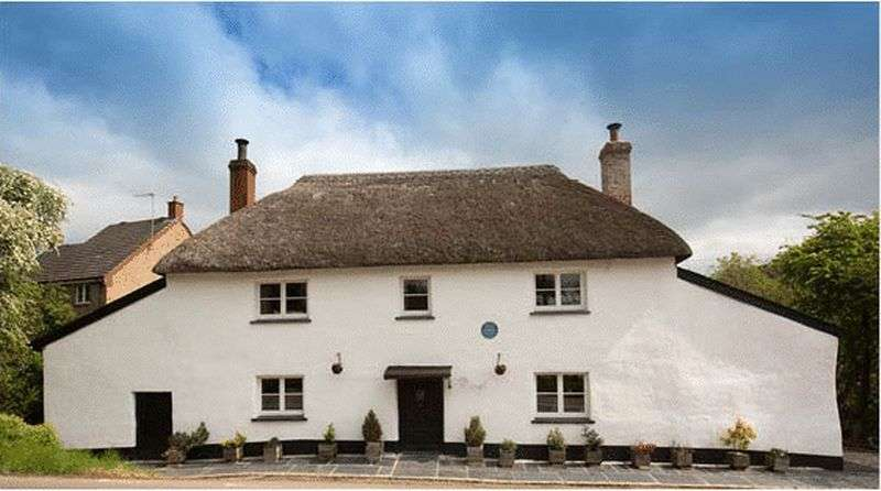 4 Bedrooms Property for sale in Copplestone, Crediton