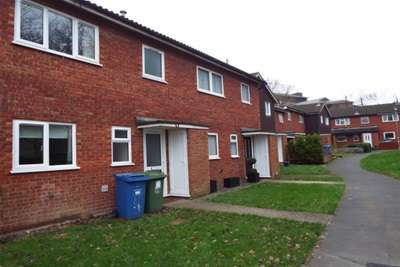 3 Bedrooms Terraced House for rent in Barn Close