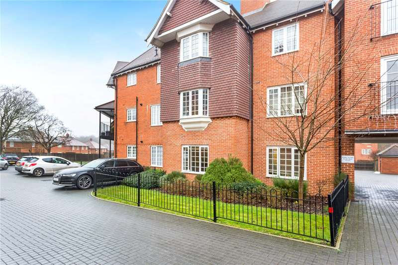 1 Bedroom Flat for sale in Wroughton Road, Wendover, Aylesbury, Buckinghamshire, HP22