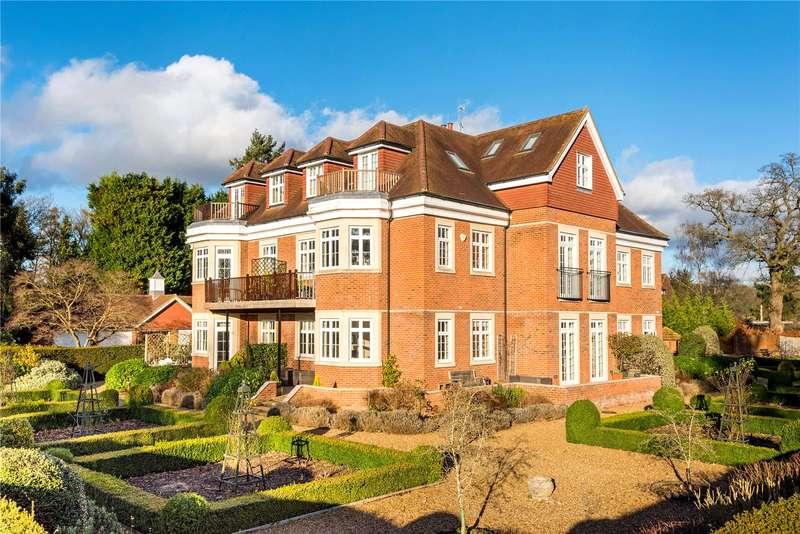 2 Bedrooms Flat for sale in Littleton Grange, Flanchford Road, Reigate, Surrey, RH2