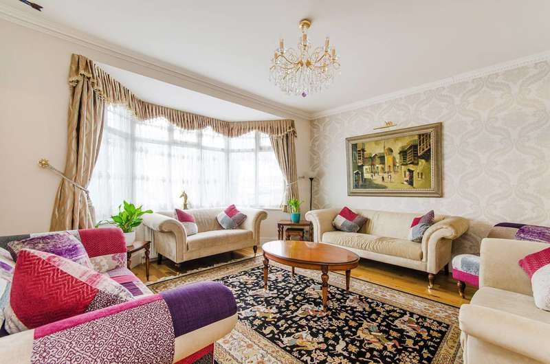 5 Bedrooms House for sale in Kingsmere Park, Kingsbury, NW9