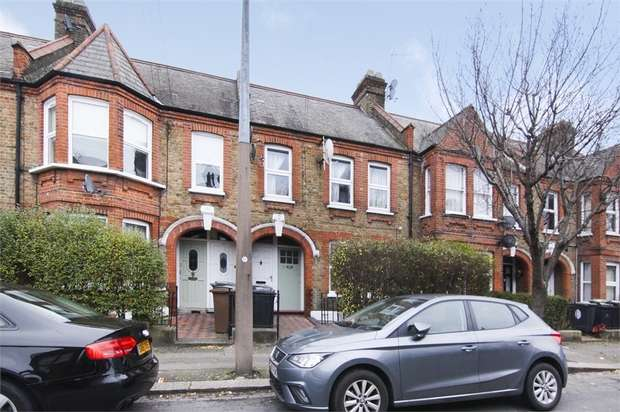 1 Bedroom Flat for sale in Hitcham Road, Walthamstow, London