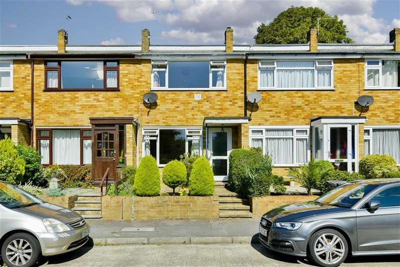 2 Bedrooms Terraced House for sale in Dirdene Close, Epsom, Surrey